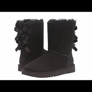 UGG Bailey Bow boot in black, size 8